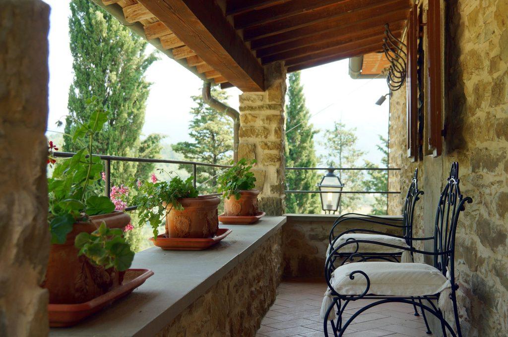 terrace-1456109_1920